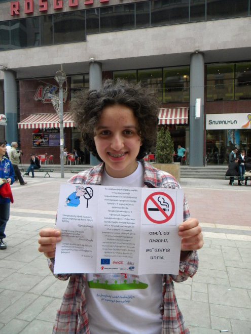Anti-smoking event organized by participants of child-to-child groups